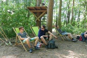 Entspannen im Grünen im schnurstracks Kletterpark Rietberg