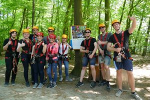 Klettern als Gruppe Kletterpark Rietberg Ostwestfalen Gütersloh